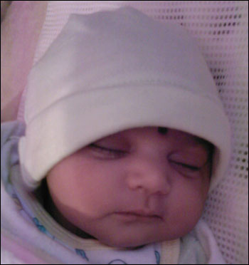 Baby name Aarya Mothie-Cute new born Indian baby photos